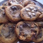 Gooey & Buttery Chocolate Chip & Snickers Bar Cookies Recipe