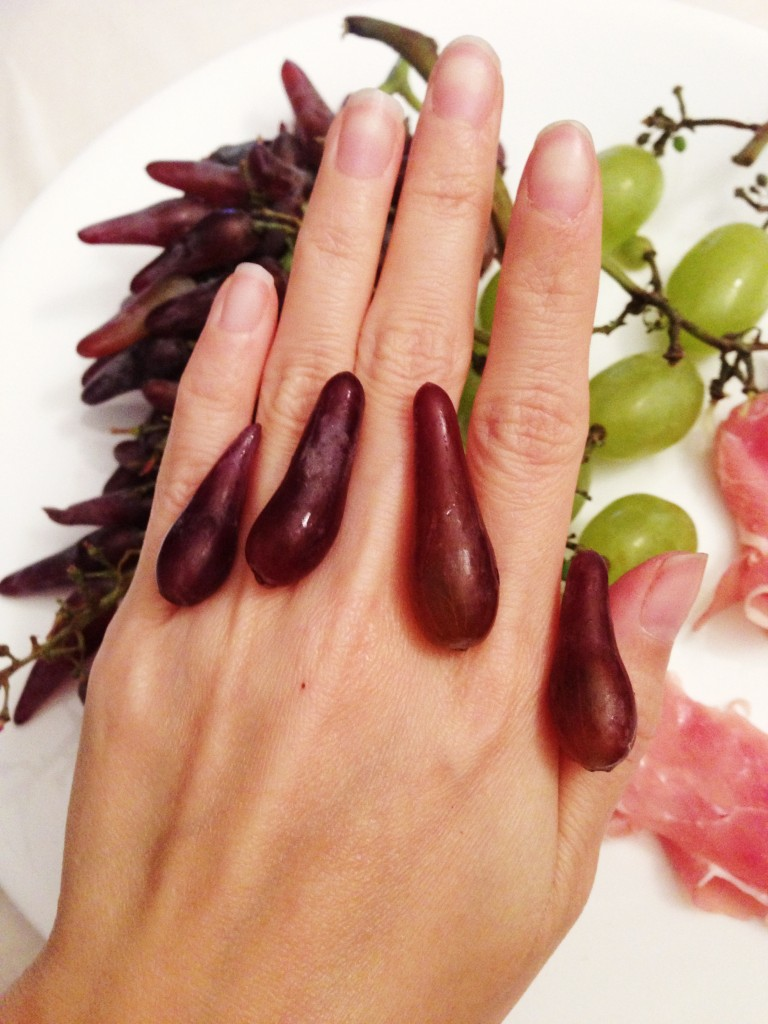 witch finger grapes 1