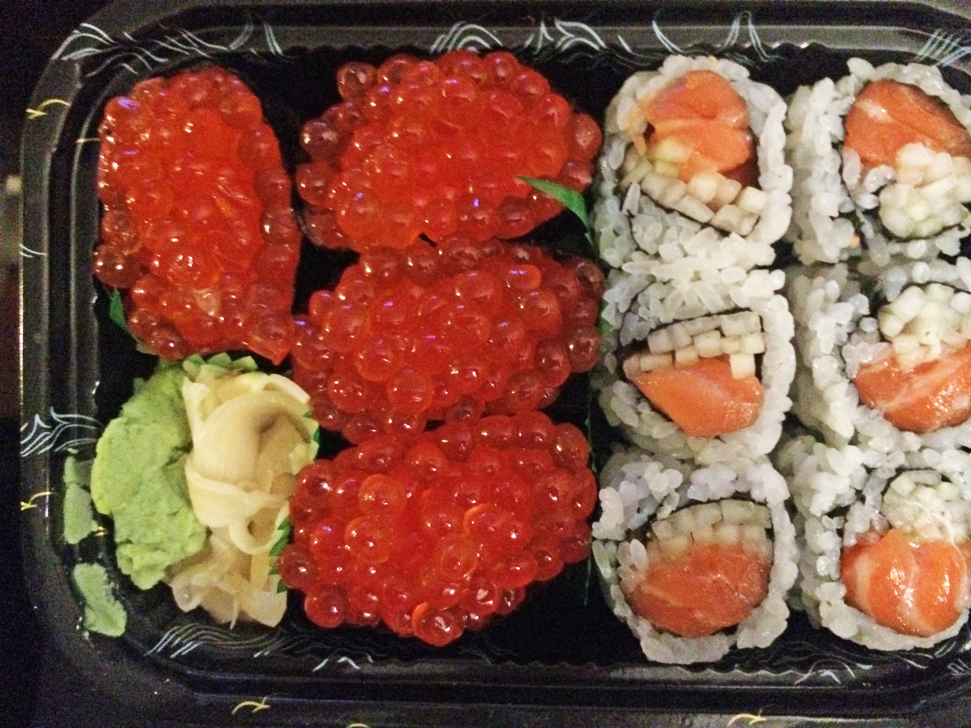 Salmon roe sushi for Fish eggs on sushi